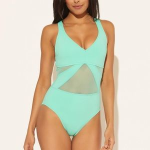 NWT DON'T MESH WITH ME V NECK WITH STRAPPY BACK 4